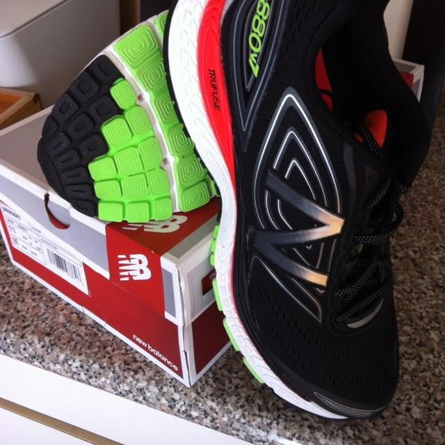 f5cd7ad222dd0 Find more New/never Worn - Men's New Balance 880v7 Running Shoes ...
