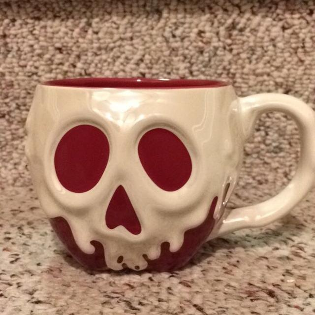 b8f0ea11893 Find more Snow White Poison Apple Mug for sale at up to 90% off