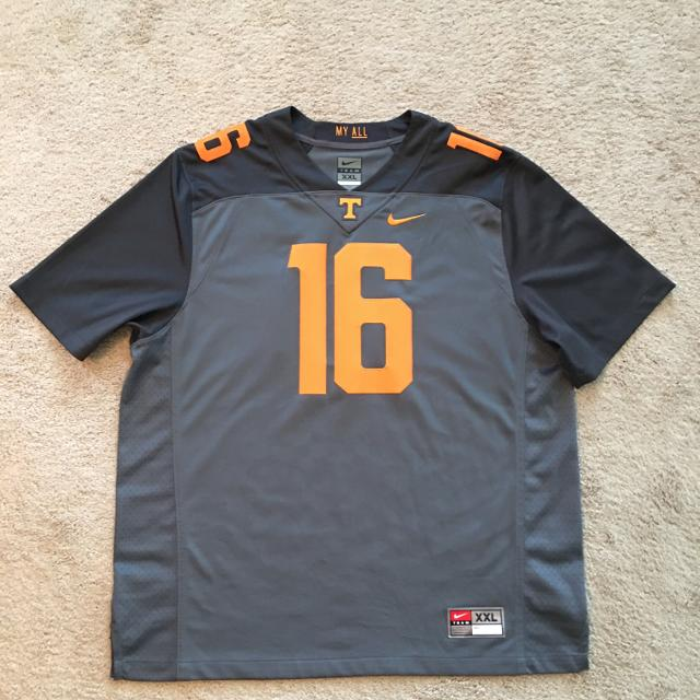 great fit 50d38 5db44 Men's Nike Tennessee Volunteers Smokey Grey Jersey, In Excellent Condition