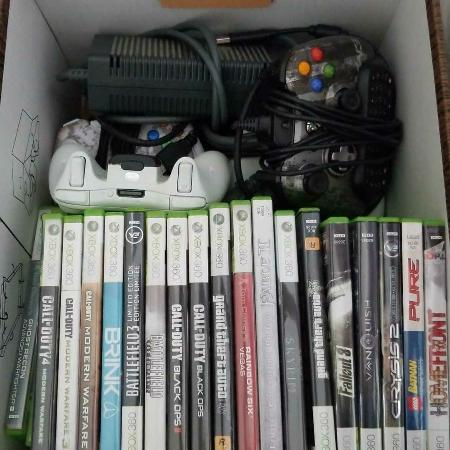Xbox 360 consol, games and accessories, used for sale  Canada