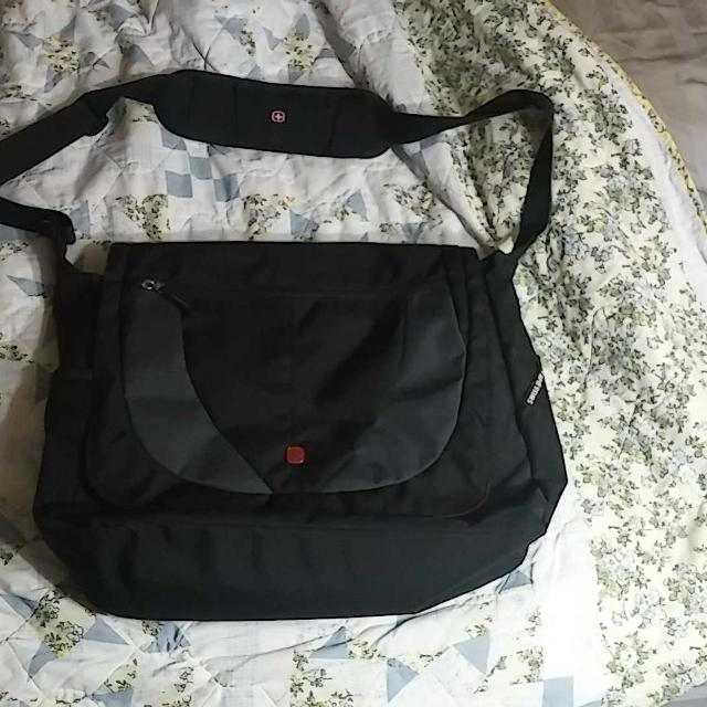 Reduced Swiss Gear Messenger Bag Excellent Condition