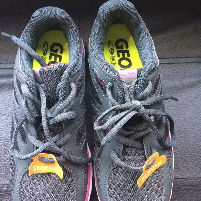 7f5c2d8c1eb8d Find more   final Price Drop   Nwt Running Shoes for sale at up to ...