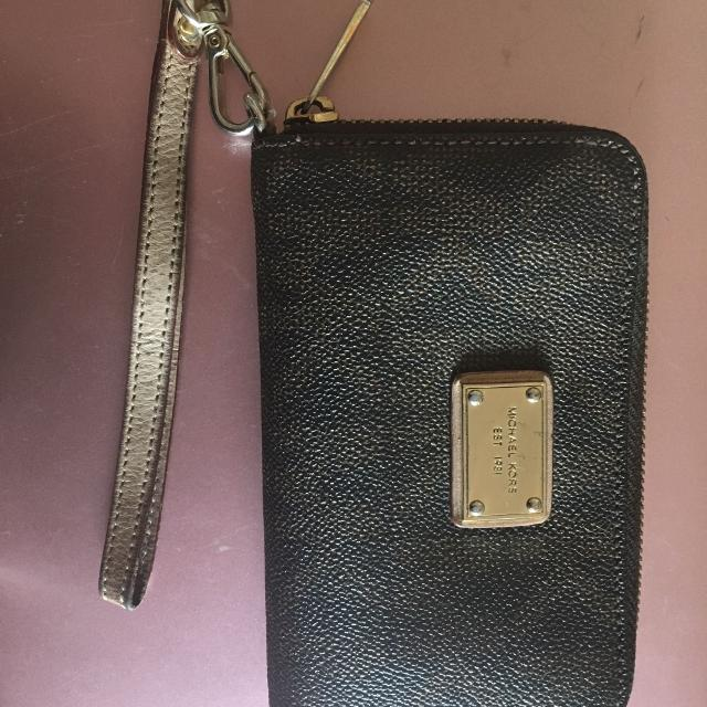 a5f430f06a3473 Best Used Authentic Mk Wallet for sale in Calgary, Alberta for 2019
