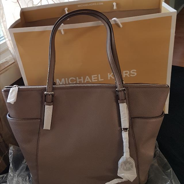 Best Michael Kors Bag for sale in Ottawa df08a6624e6a4