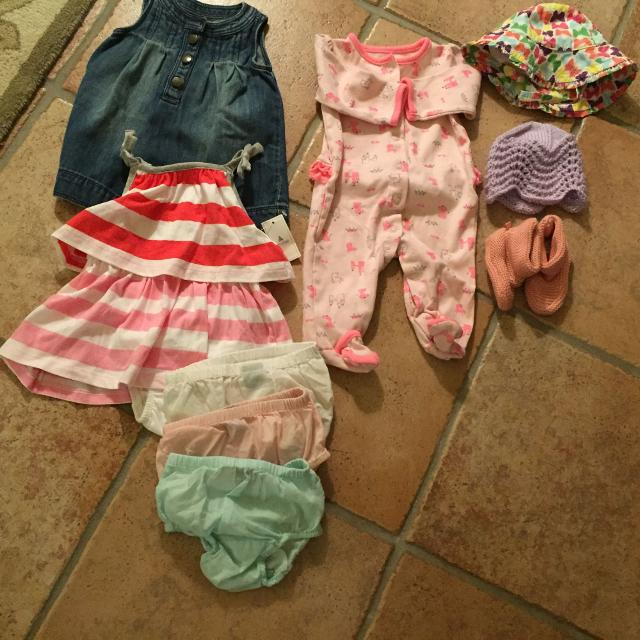 79d35d8a1 Find more Lot Of Baby Girl Clothes By Carters, Baby Gap, Old Navy ...