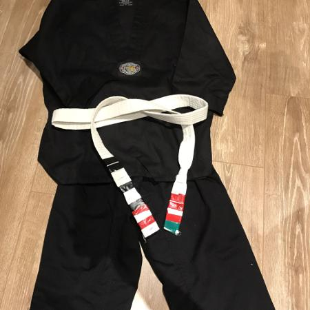 Used, Karate suit size small (5-6 years old) for sale  Canada