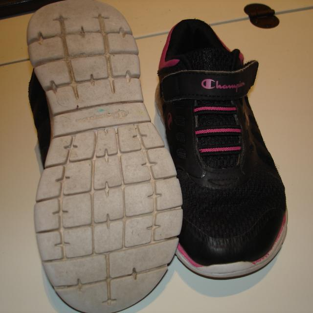 c15f4e47f9923 Find more Guc - Size 11 Champion Black pink Runners for sale at up ...