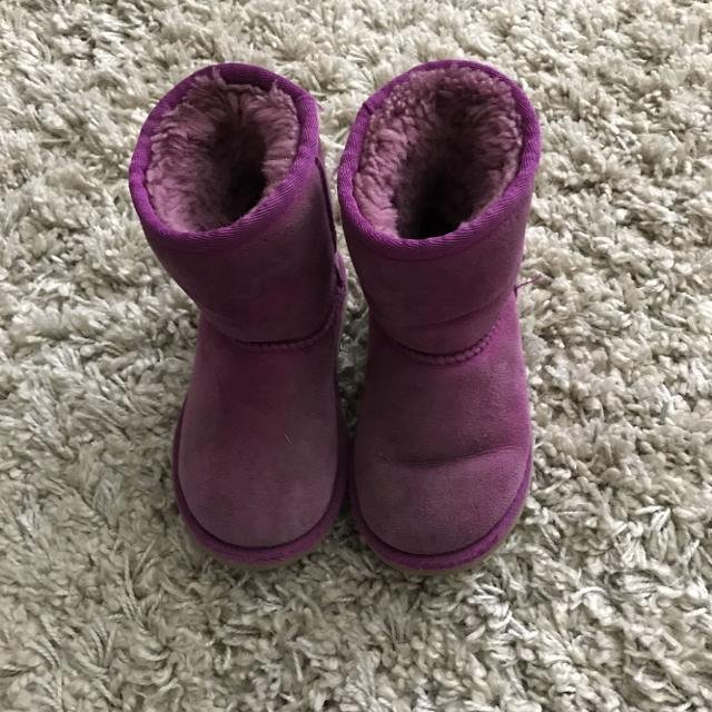 0a5ae7314c4 **PRICE REDUCED $20**GUC Uggs size 9 purple/dark pink color
