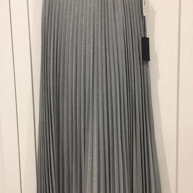 f2754d09f Find more Bnwt Aritzia Babaton Jude Skirt, Xs for sale at up to 90% off