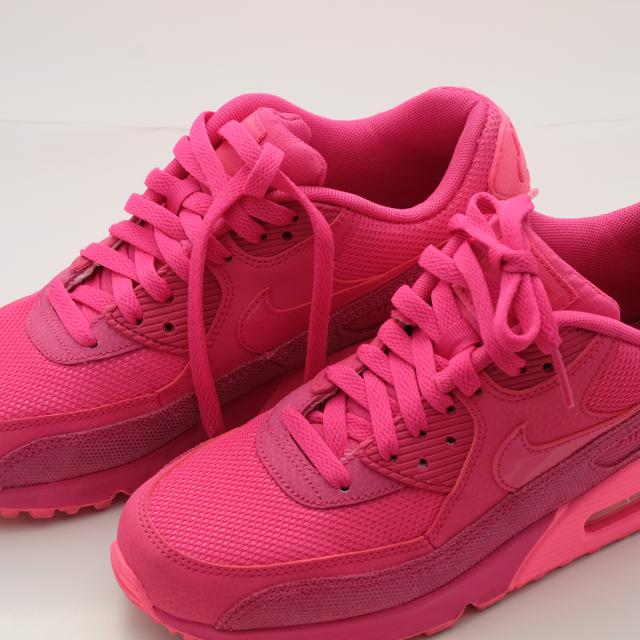 535c68745b Best Bright Pink Air Max- Size 7 for sale in Yorkville, Ontario for 2019