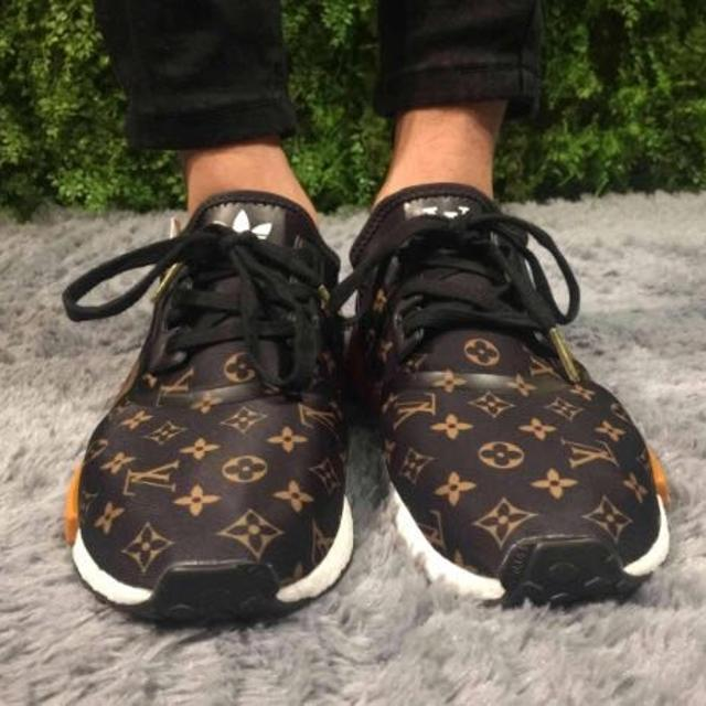 pretty nice eeeb3 e2fb3 Authentic Adidas NMD R1 Supreme x Louis Vuitton x