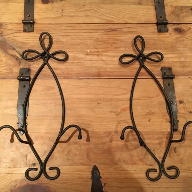 Decorative Plate Hangers Set Of 2