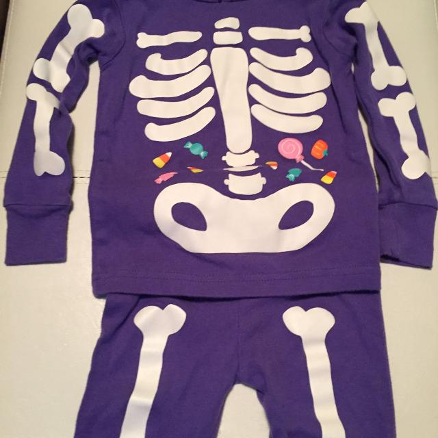 74c420f76161 Find more Euc Carters Skeleton Pajamas for sale at up to 90% off