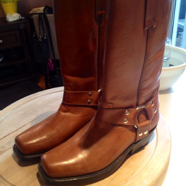efe444289ab Price Reduced!! Now $20.00Tom Houston boots