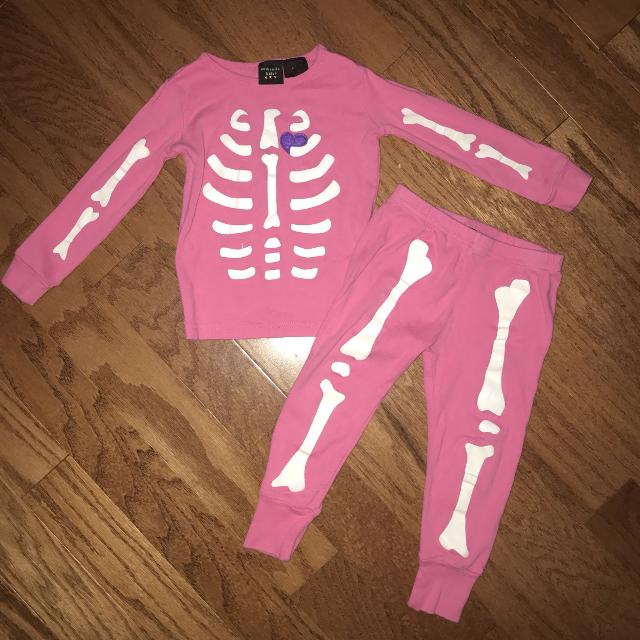 b348e2df46 Find more Size 2t Girl Toddler Glow In The Dark Pajamas By Authentic ...