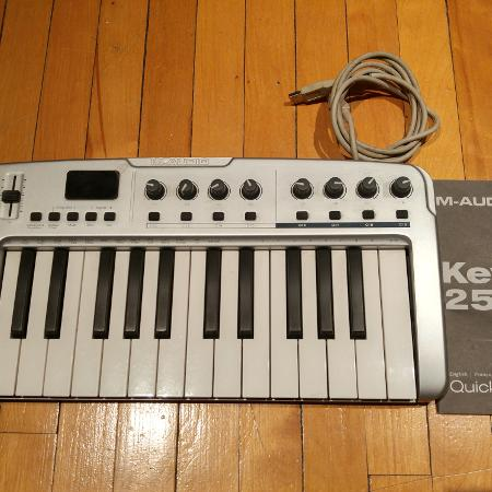 Used, M-Audio KeyRig 25 MIDI keyboard for sale  Canada