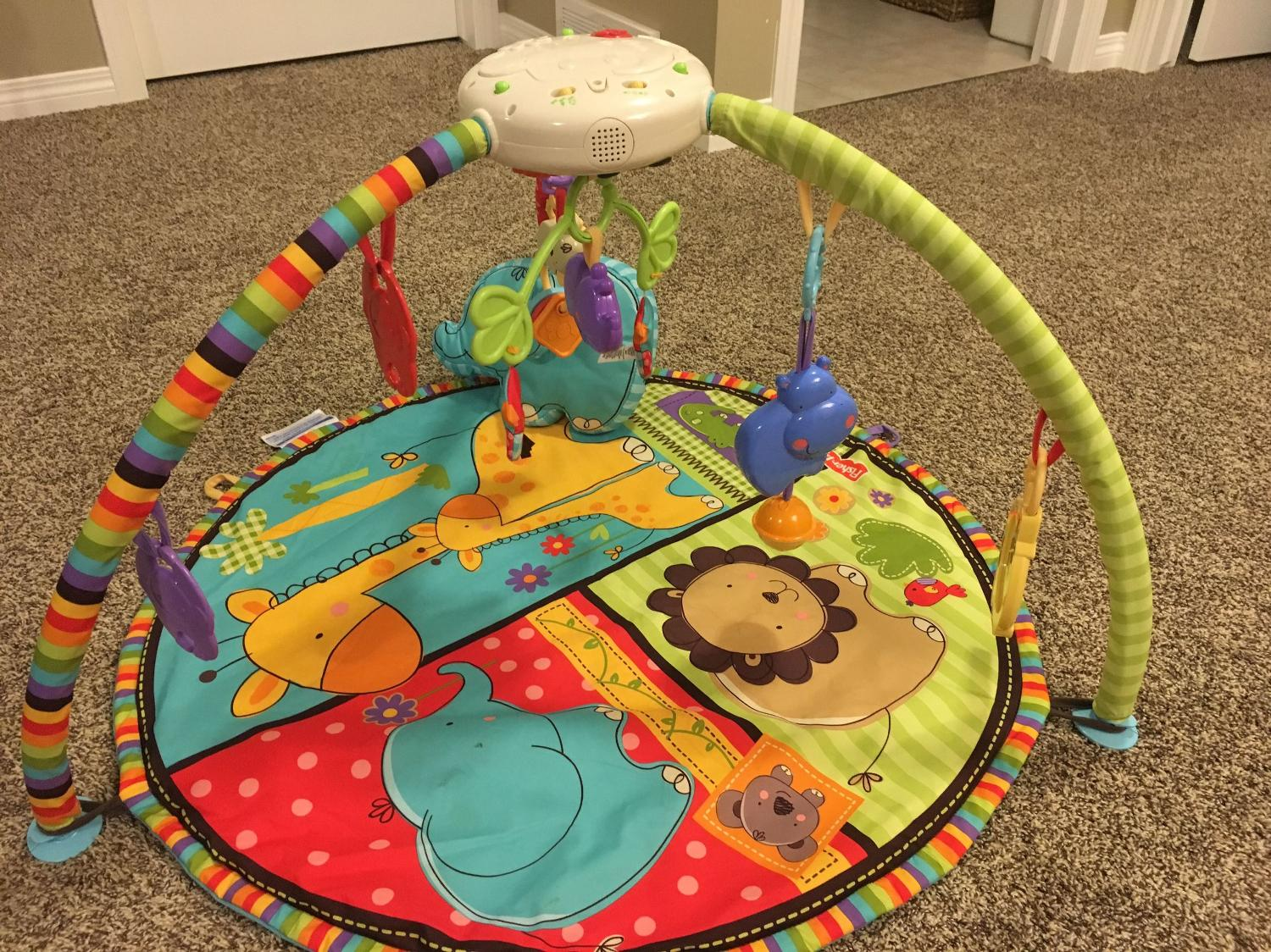 Best fisher price luv u zoo deluxe musical mobile mat for sale in calgary alberta for 2019 - Tapis d eveil fisher price zoo deluxe ...