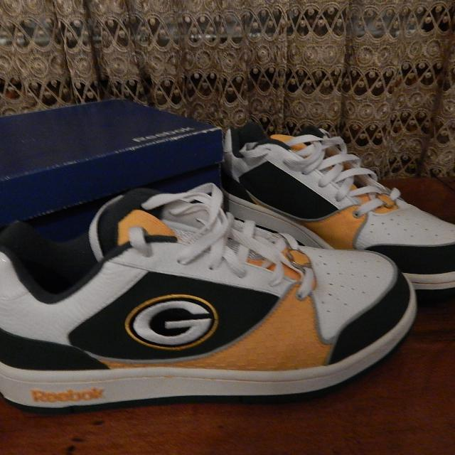 34b158936a4b58 Find more Nfl - Reebok Packer Tennis Shoe - Size 11.5 for sale at up ...