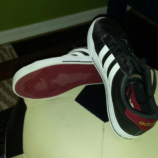 Adidas Shoes Size 8 Used