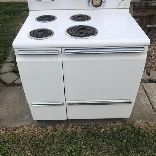 1950 General Electric Stove
