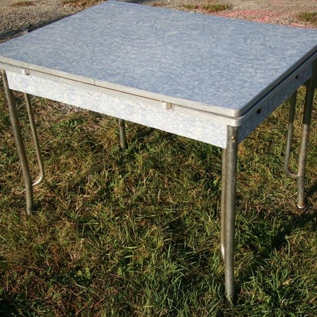 Best Retro 1950 S Blue Formica Table With Chrome Legs For Sale In