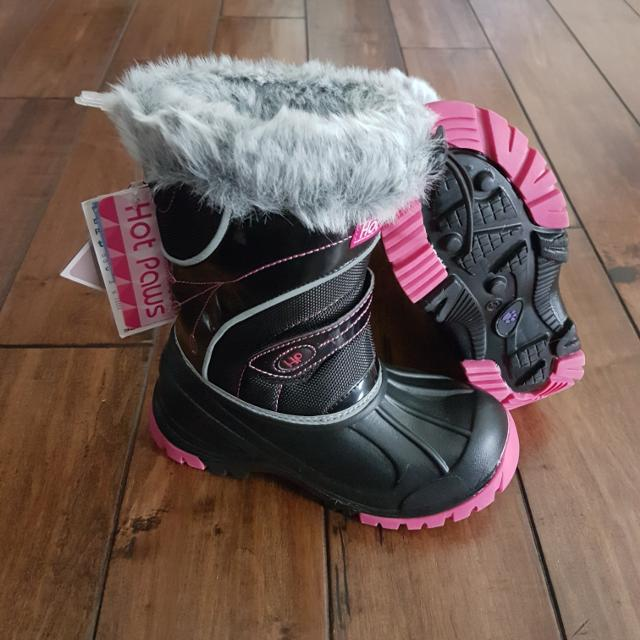 6fe3f87a7dc NWT Hot Paws - Girls Black/Pink Winter Boots with Reflective Piping - Size  13 (Retail $60)