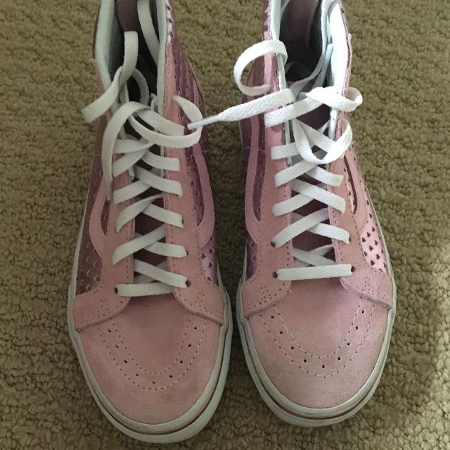 3f2ac6007a Find more Vans - Girls Size 1.5 Pink Suede And Shiny Hearts ...
