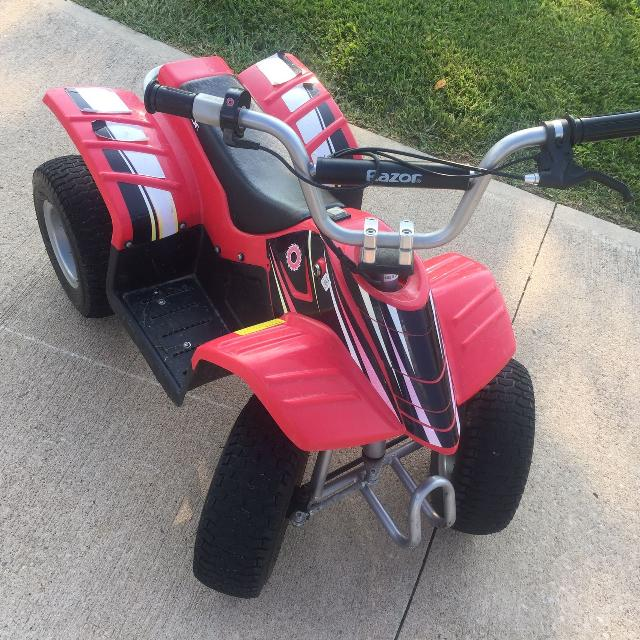 Razor dirt quad four wheeler