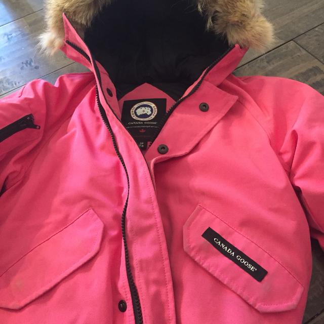cdd9c51ef Find more Girls Canada Goose Winter Jacket for sale at up to 90% off
