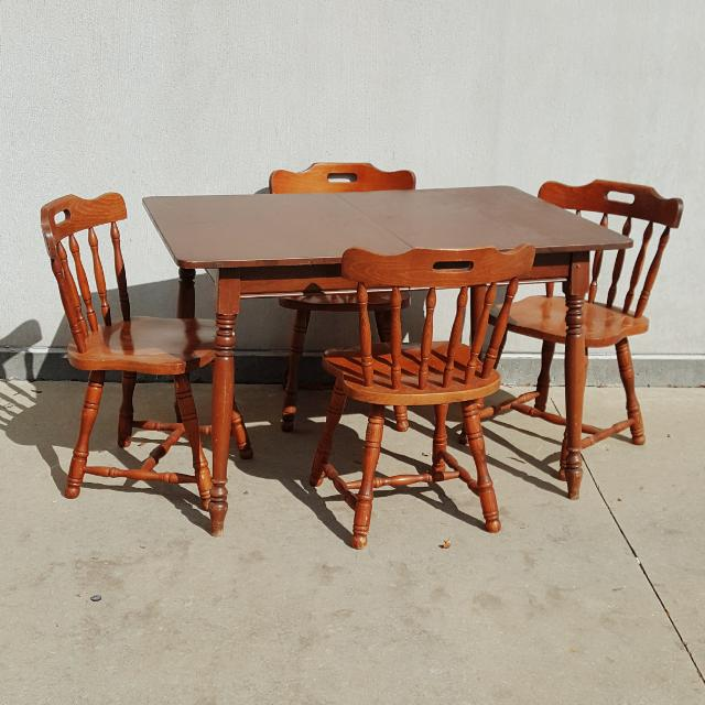 Vintage Early American Solid Wood 5 Piece Dining Set