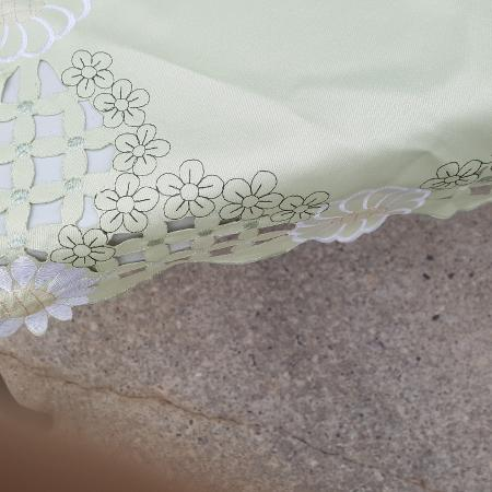 Table set: tablecloth 8 placemats and... for sale  Canada