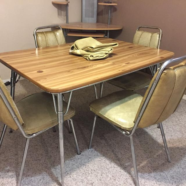 70's kitchen table and 4 chairs