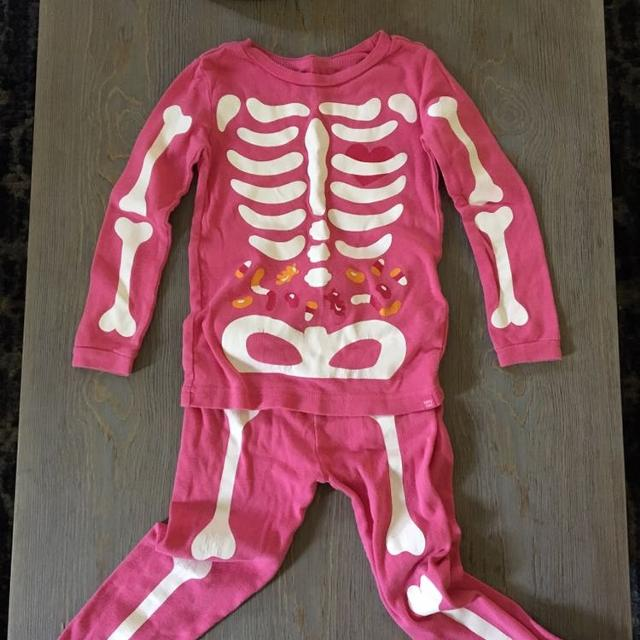 cda18225c20d Find more Baby Gap Girls 3 Halloween Pink Skeleton Pajamas Pjs for ...
