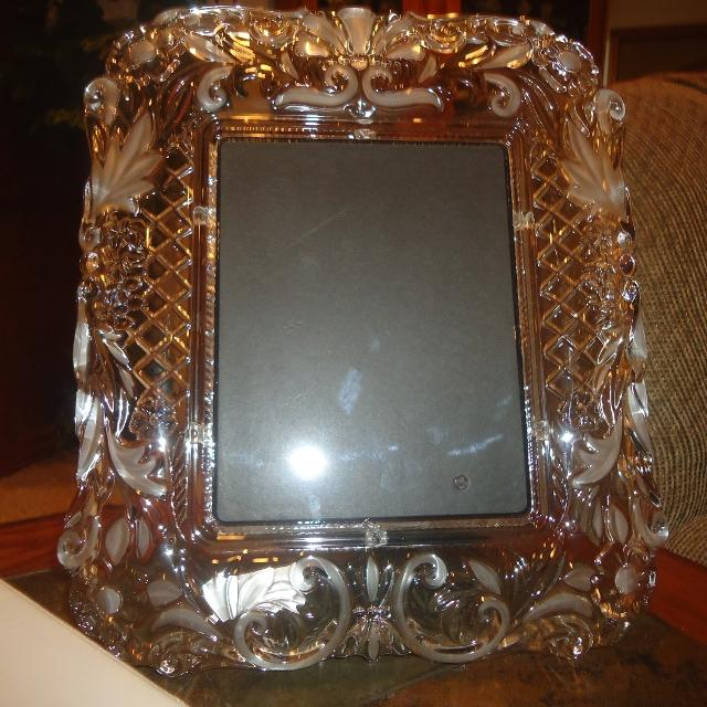 Best Brand New Mikasa Timeless Love Crystal Picture Frame For Sale