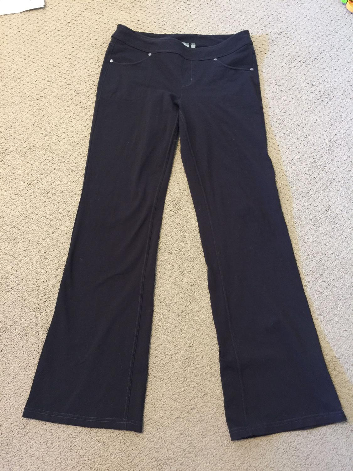 3970c6480986a Find more Euc Medium Athleta Bootcut Yoga Pants for sale at up to 90% off