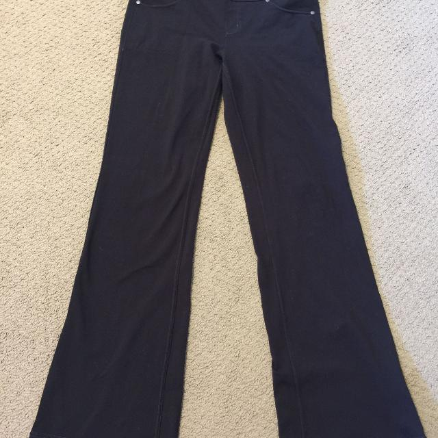 d53314e627764 Find more Euc Medium Athleta Bootcut Yoga Pants for sale at up to 90 ...
