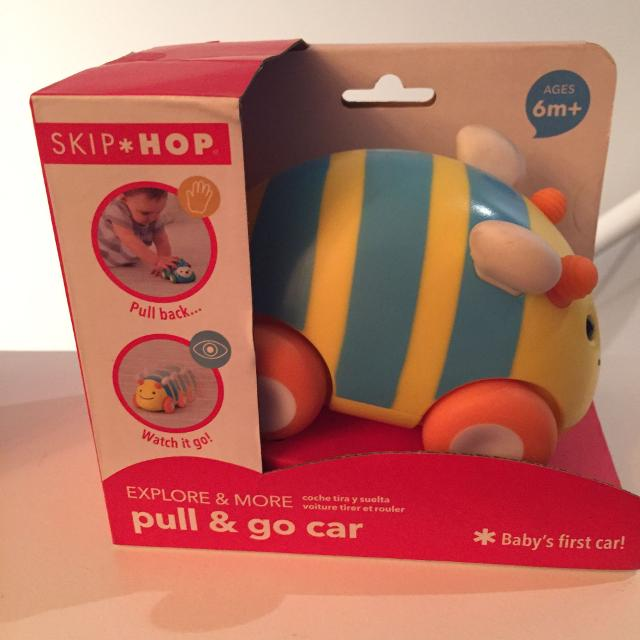 Skip Hop Pull and Go Bumble Bee Car