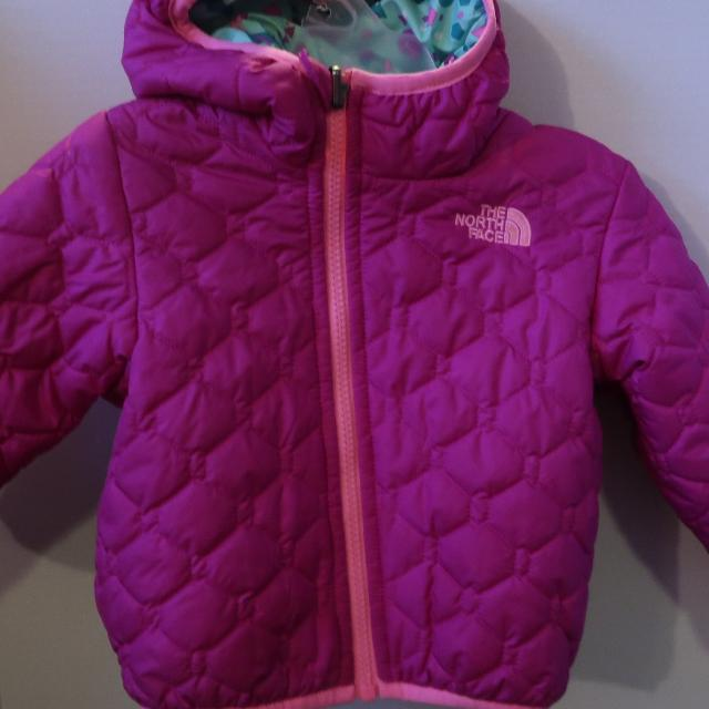 5cfa9f3e2 Find more The North Face Toddler Girl Reversible Jacket for sale at ...