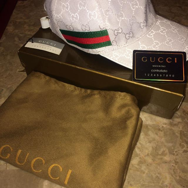 Best White Gucci Ball Cap With Box And Dust for sale in Quinte West ... 6983af08ee5