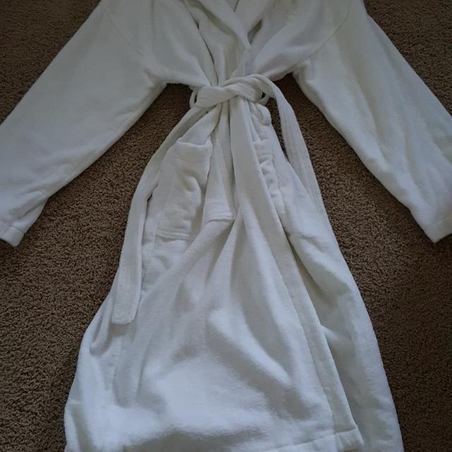 8863776776 Full length white robe in euc. Have 2 identical robes. 5.00 each or both