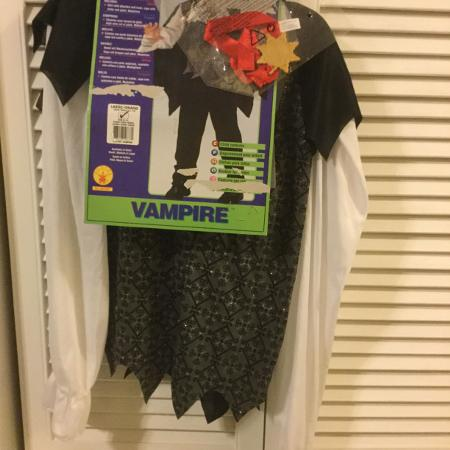 Kids vampire costume - large (12-14).... for sale  Canada