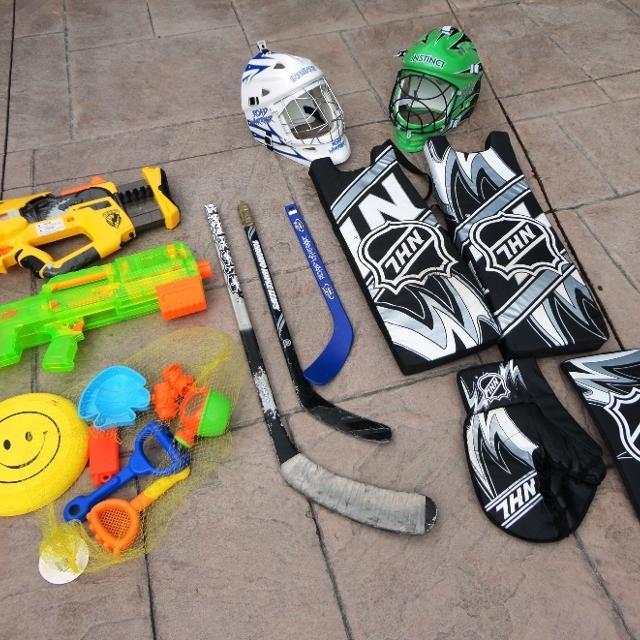 Kids Street Hockey Equipment -helmet, pads, Gloves & Water Toys
