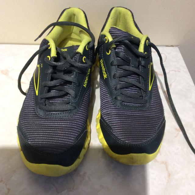 detailed look 10adc 10a71 Best Reebok Zigtech Grey And Yellow Running Shoes for sale in Dollard-Des  Ormeaux, Quebec for 2019