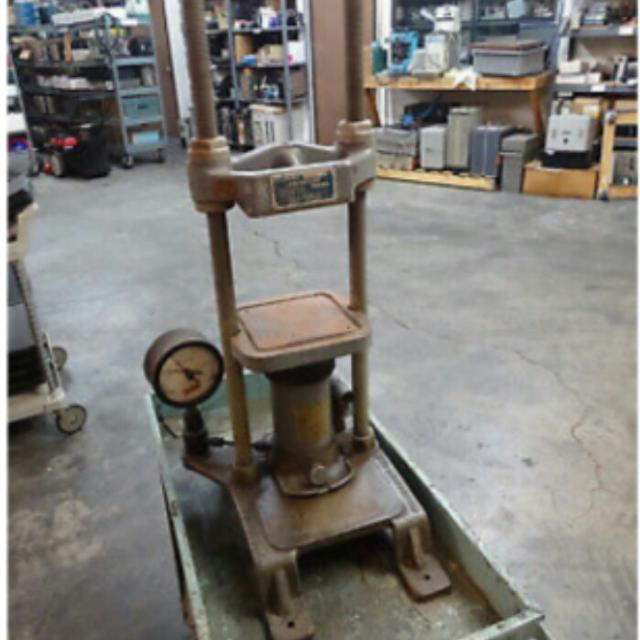 Places Saraland Al: Best 1958 Carver Lab 12 Ton Manual Heated Press For Sale