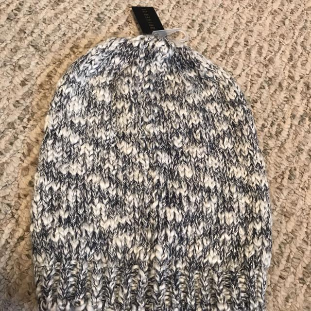 4189010b35eb0 Find more Nwt Forever 21 Knit Toboggan Hat Cap for sale at up to 90% off