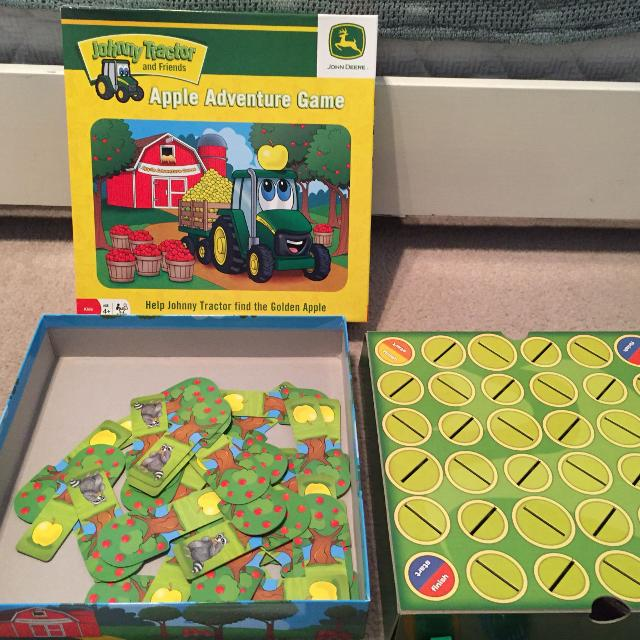 like new johnny tracker board game