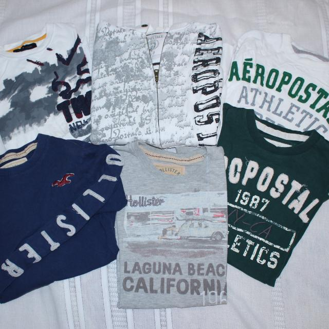 af33b561 Lot of name brand teen shirts, hoodie. Sz Adult S Hollister, Aeropostale