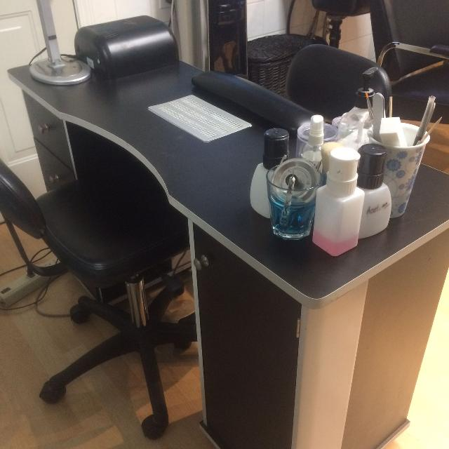 Manicure Nail Tech Table