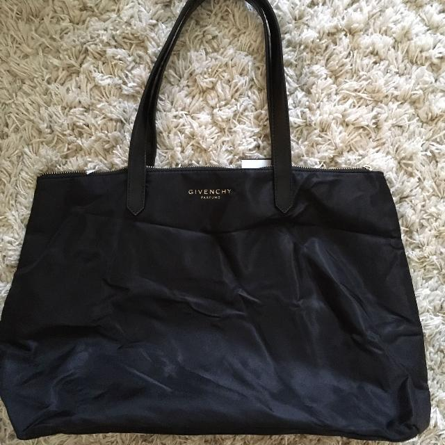 ed6337c2f3b9 Best Givenchy Parfum Shopper Tote for sale in Vaudreuil