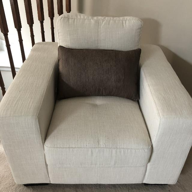 find more 2 like new condition used in a sitting room no signs of